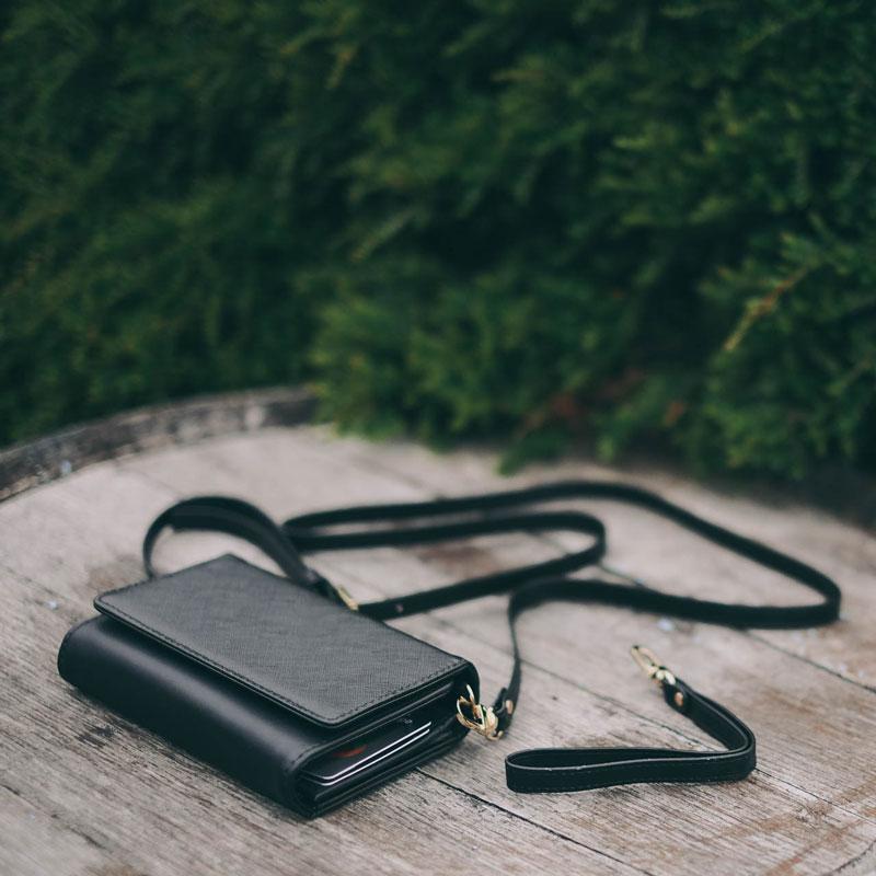 iphone-clutch