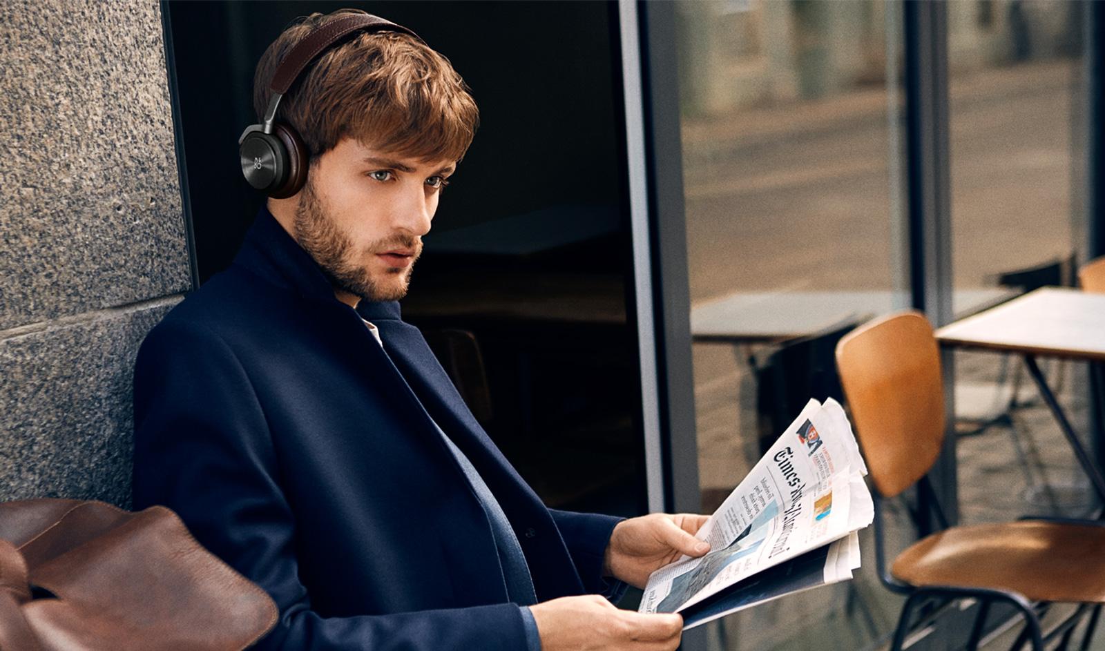 h8-headphones-2