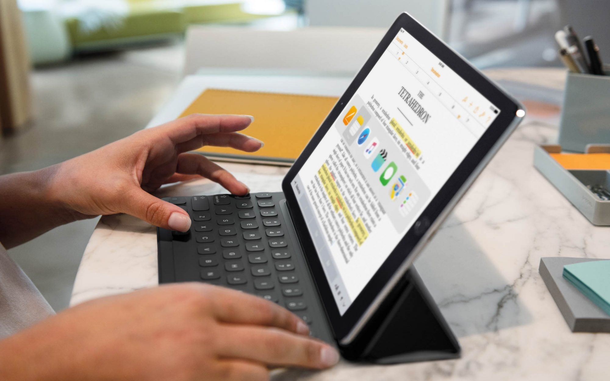 9.7-inch iPad Pro with Smart Keyboard