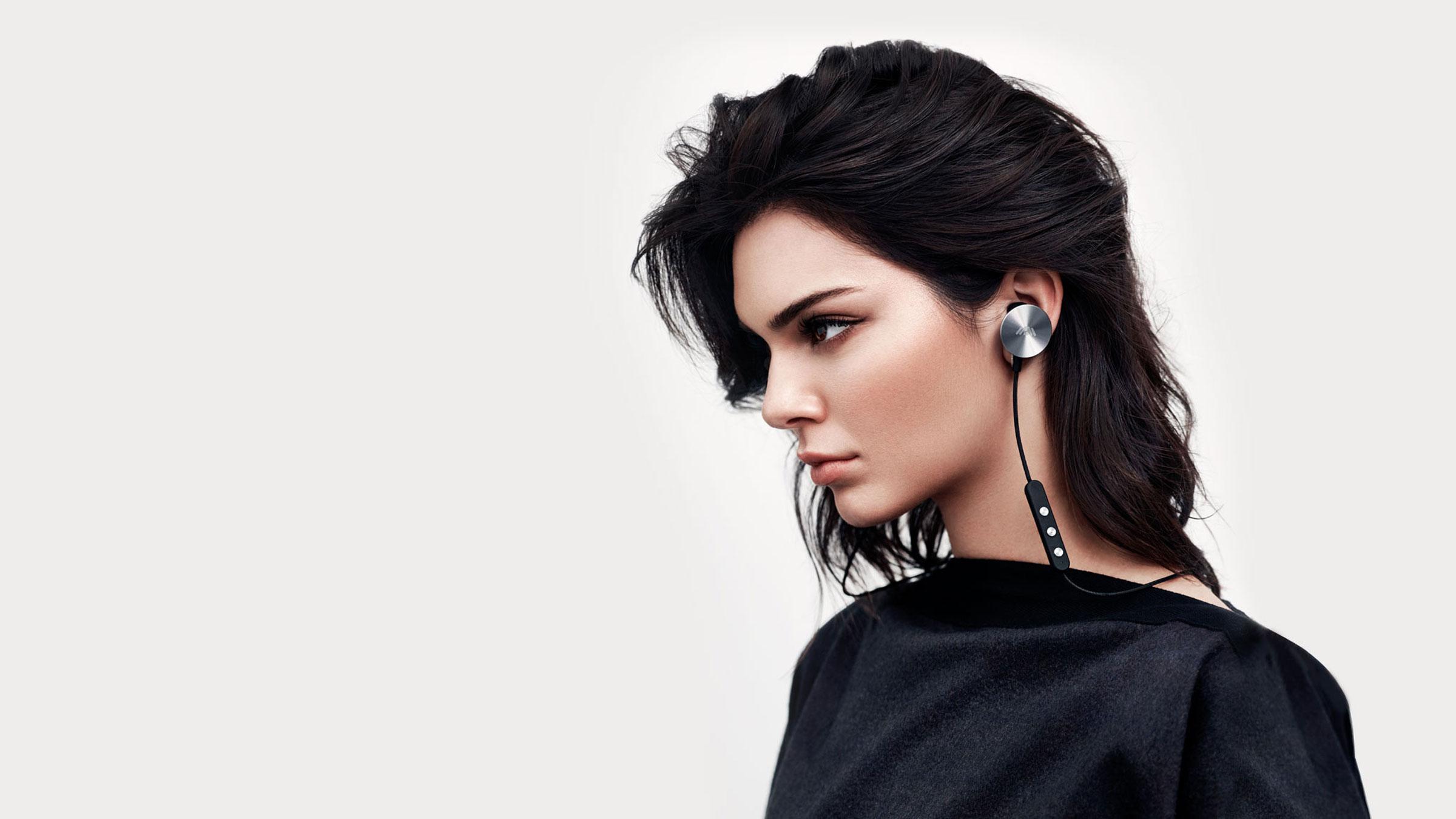 buttons-headphones-kendal