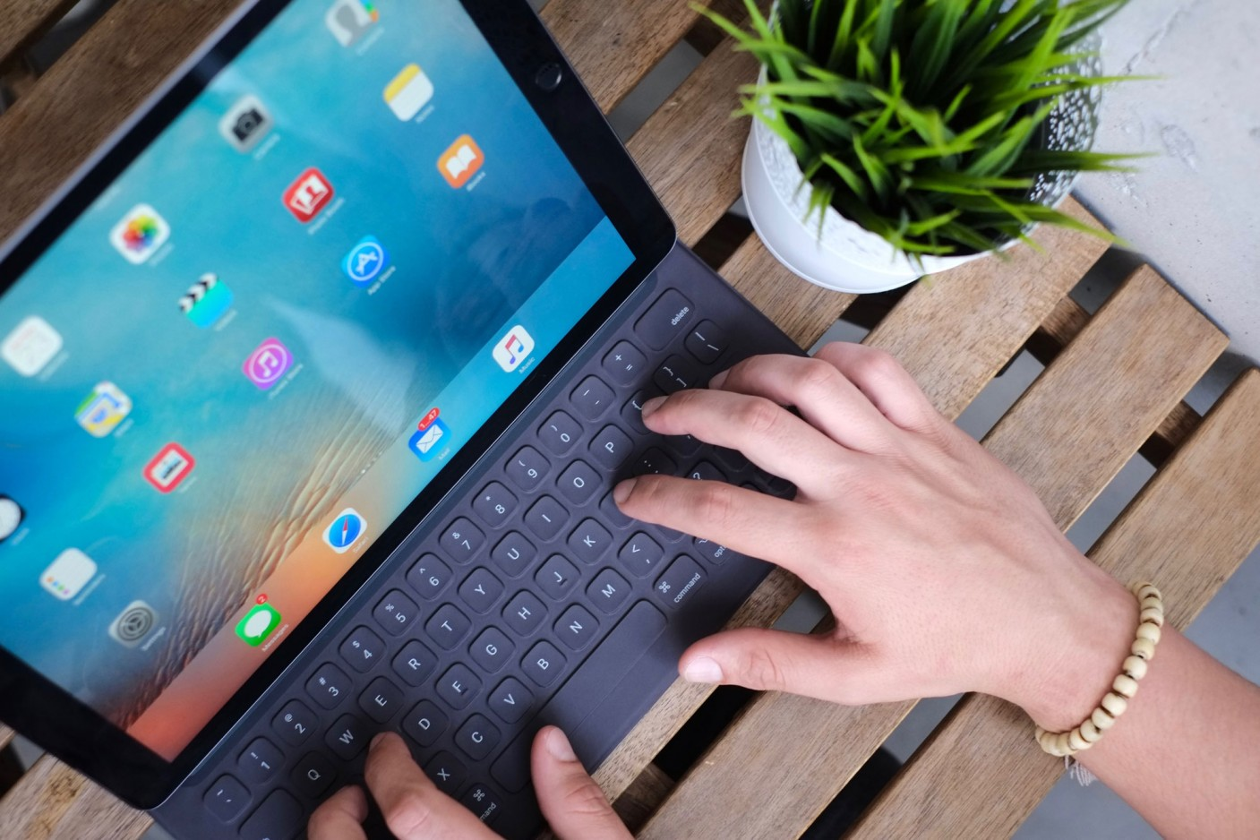 Apple Smart Keyboard for iPad Pro lifestyle