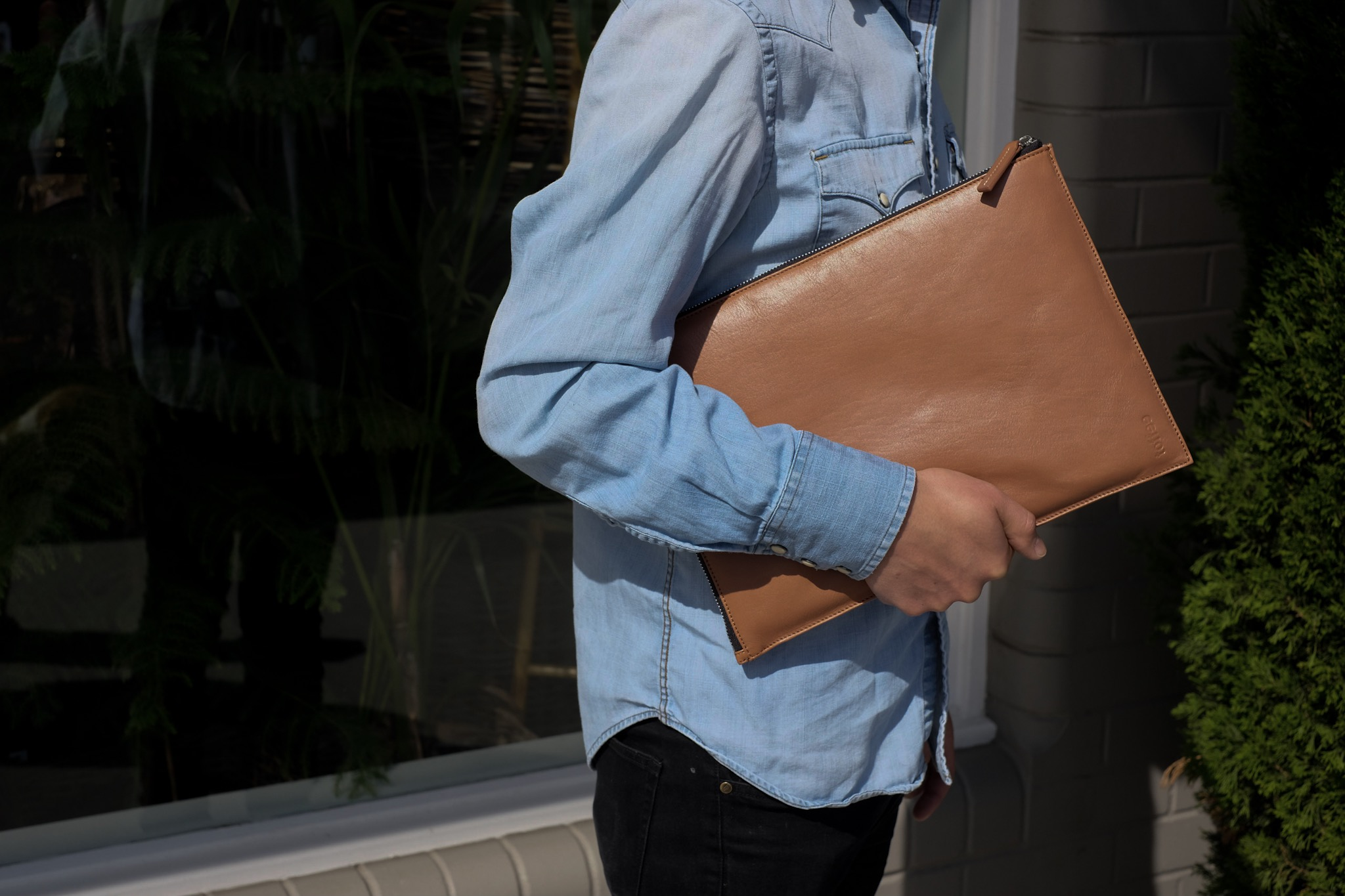 Toffee Slim Leather Sleeve Tan