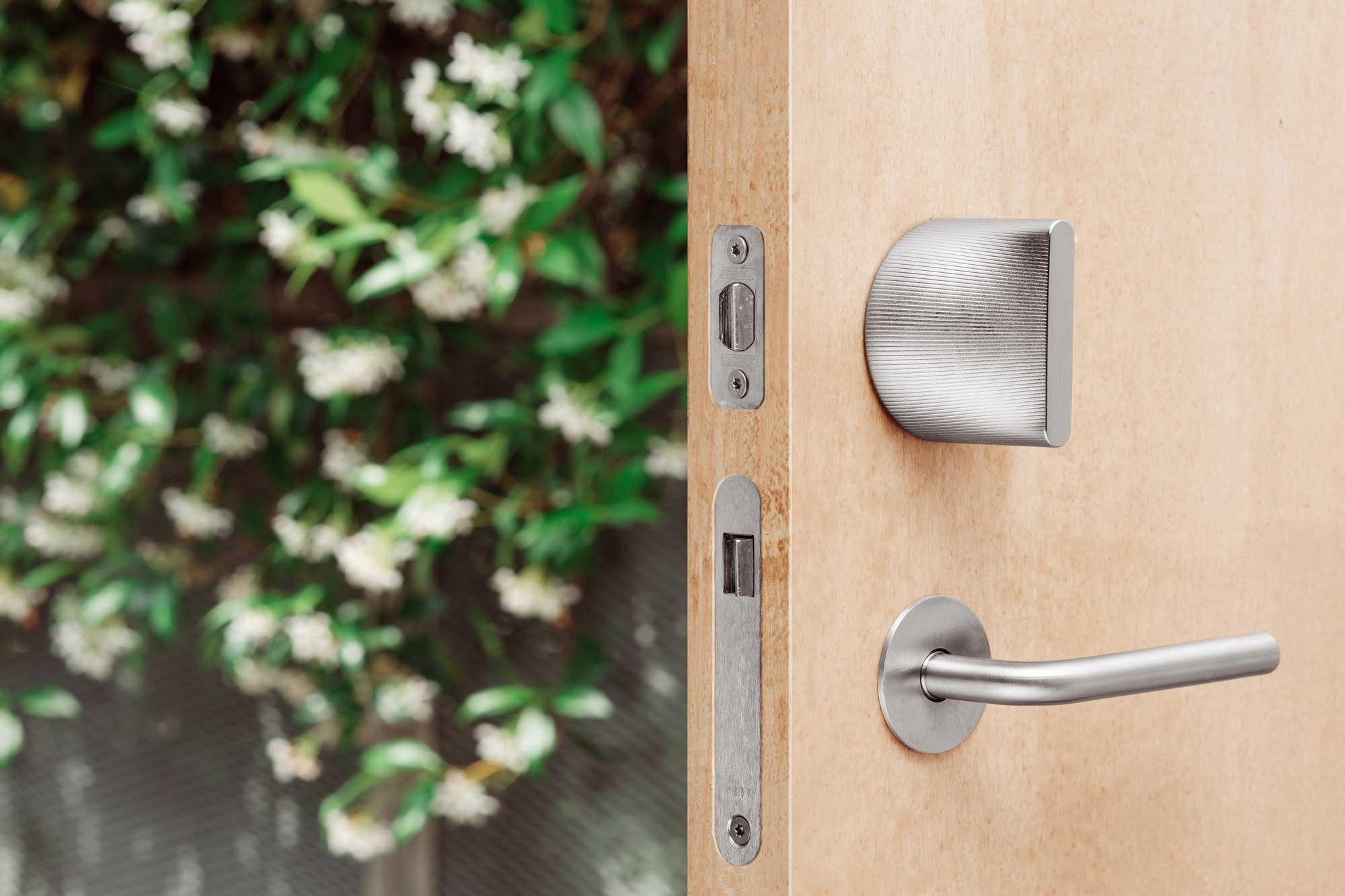 HomeKit Friday door Lock with door open