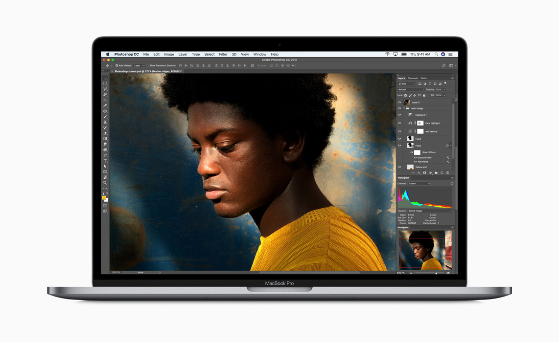 New 2018 MacBook Pro with True Tone Retina Display