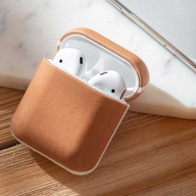 Nomad-Rugged-AirPods-Case-Natural-with-Apple-Watch