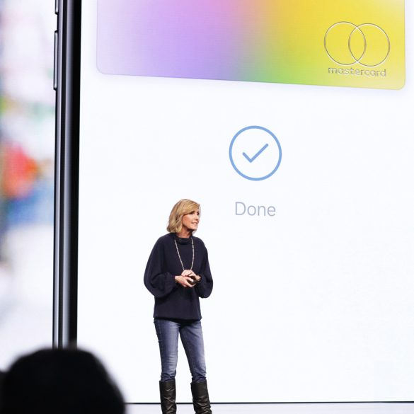Apples-keynote-event_Jennifer_Bailey_introduces_apple_card-03252019