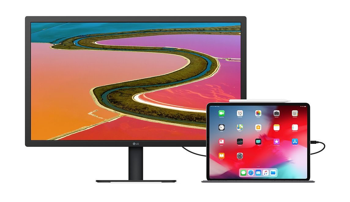 New LG 4K Display with iPad Pro