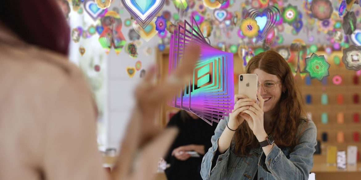 AR Art in the Apple Store session with iPhone