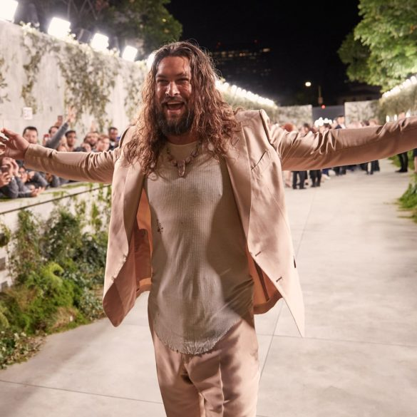 Apple See Premiere Jason Momoa