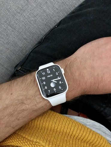 Apple Watch Series 5 In Ceramic Always On